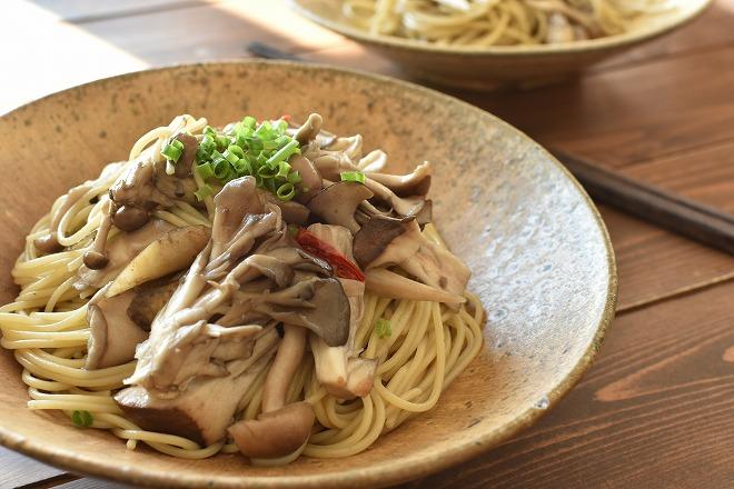 kinokotogobounopasta - 食物繊維たっぷり!キノコとごぼうのパスタ