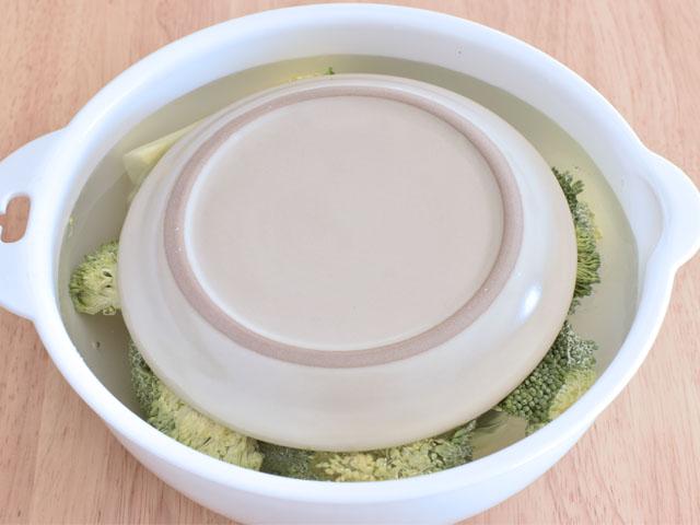 buro sara - 【レンジで】塩蒸しブロッコリー