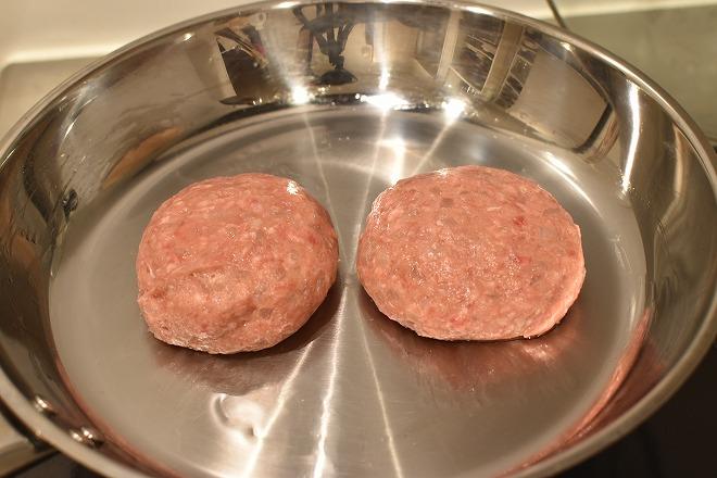 DSC 0943 - 卵をいれるタイミングが決め手!肉汁を完全に閉じ込めるハンバーグ