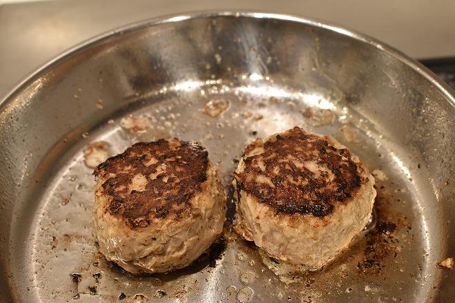 DSC 0952 - 卵をいれるタイミングが決め手!肉汁を完全に閉じ込めるハンバーグ