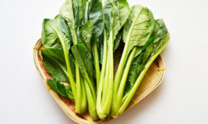 441fde835975ec14e661dfecc92b738b s 300x180 - 野菜たっぷり。小松菜とむね肉の【ネギ塩だれ】炒め