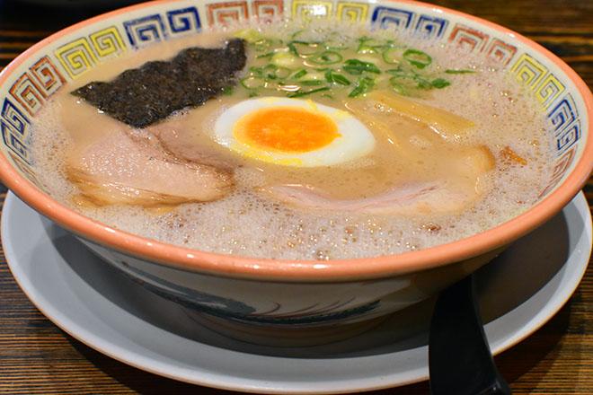 DSC 2837 - 【福岡・天神】とんこつスープの煮込み時間は半世紀 大砲ラーメン 本店