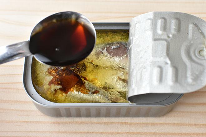 DSC 4542 - 缶汁全部で旨味たっぷり。オイルサーディンとしめじのパスタ