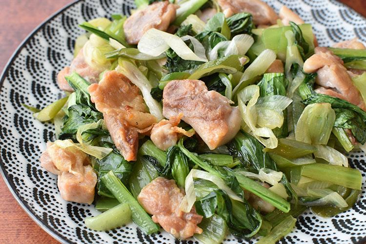 DSC 4636 - 野菜たっぷり。小松菜とむね肉の【ネギ塩だれ】炒め