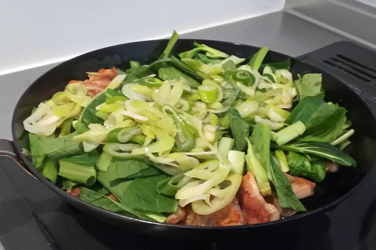 IMG 20200417 155803 - 野菜たっぷり。小松菜とむね肉の【ネギ塩だれ】炒め