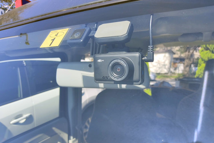 IMG 20201025 114148 - 前後カメラのドライブレコーダーを取り付け。配線の隠し方を詳しく紹介【エブリイバンDIY】