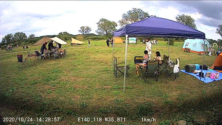 ria kamera - 前後カメラのドライブレコーダーを取り付け。配線の隠し方を詳しく紹介【エブリイバンDIY】