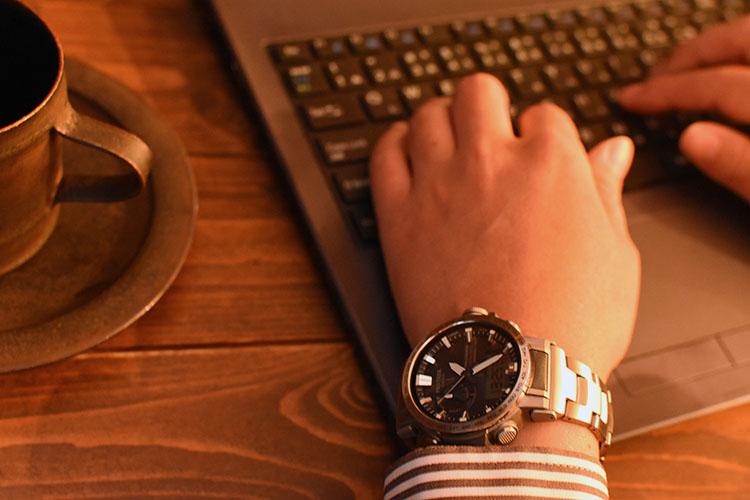 ssDSC 0498 - アウトドアだけじゃない!ビジネスにも使える腕時計 PRO TREK『PRW-60T-7AJF』