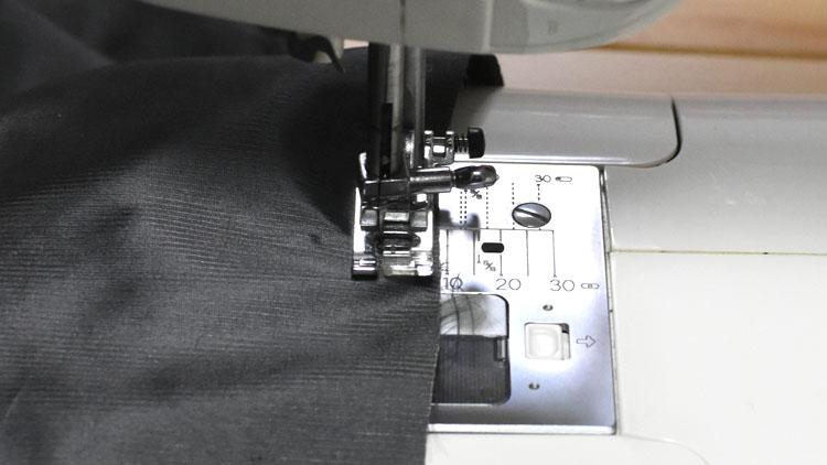 DSC 0490 - ダイソーのカーテンより『はぎれ』の方が透けなかった話。