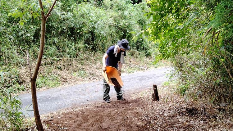 IMG20210605104559 - 整地の工程は3つだけ。「刈る」「除去」「土ならし」を 初心者が実践