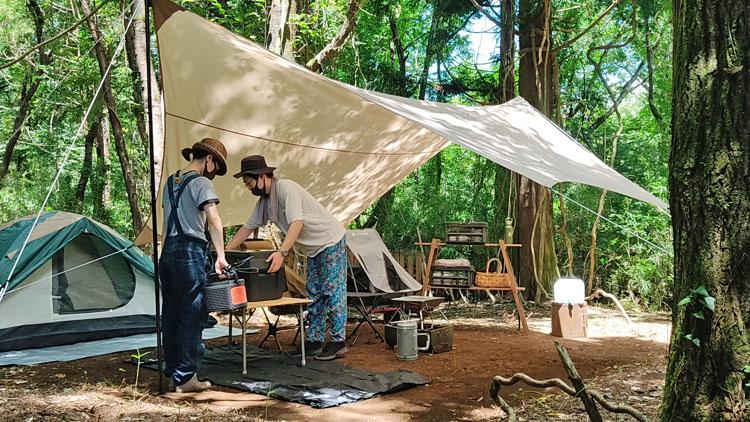Snapshot 40 - 自力で雑木林を整地。プライベートキャンプ場でBBQを楽しむ!